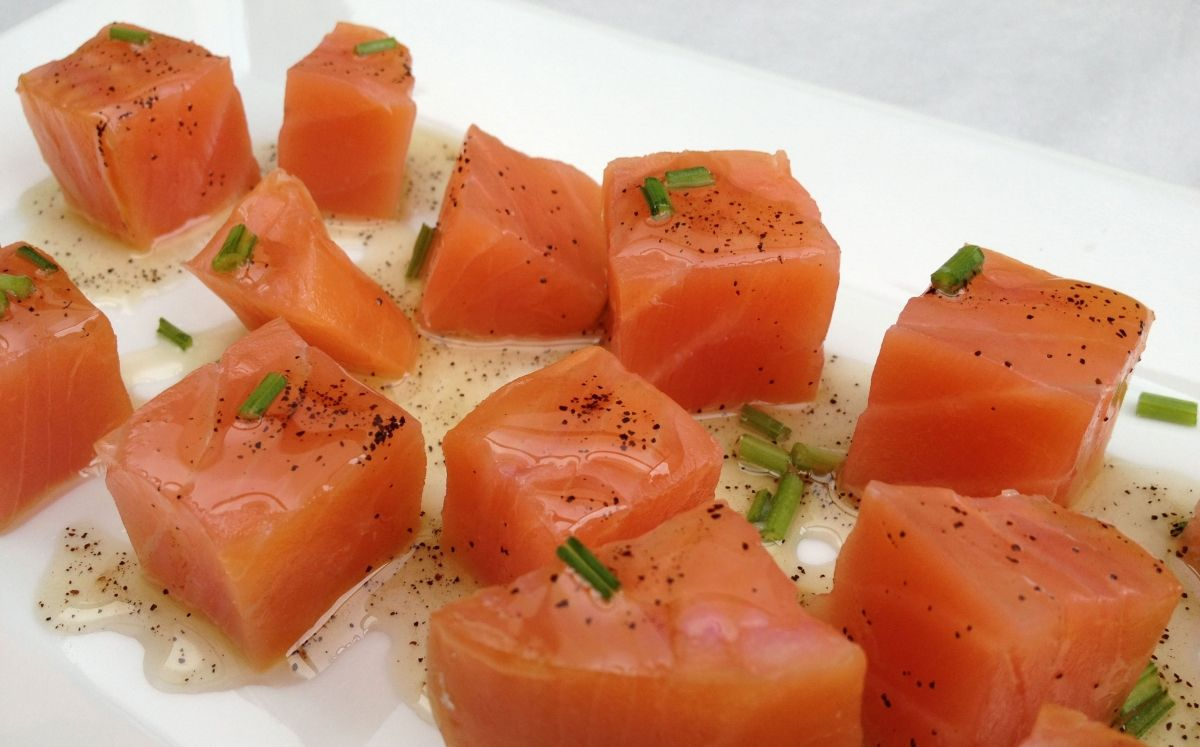Daus de salmó marinats amb cafè
