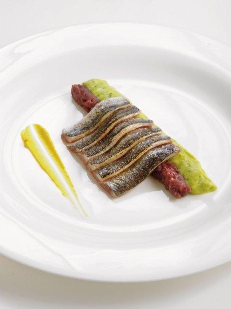 Sardines, guacamole, compota d'escalunyes, codony i mostassa