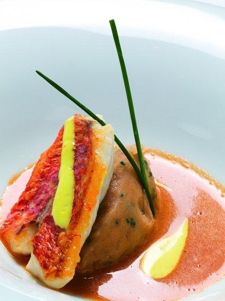 Sopa de peix de roca amb rouille i puré de patates