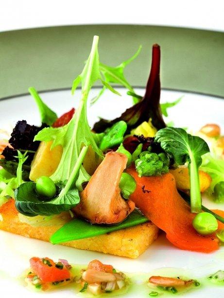 Polenta trufada amb verdures de temporada