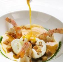 Sopa de carbassa amb llagostins a la planxa i ou escumat