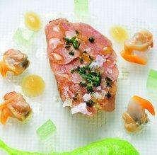 Carpaccio de ventresca de tonyina amb espàrrecs