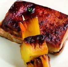 Garrinet rostit al forn amb pinya i gingebre