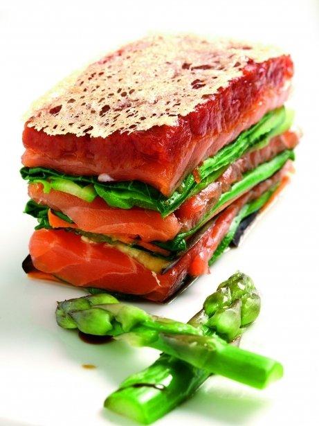 Lasanya de verdures i salmó fresc