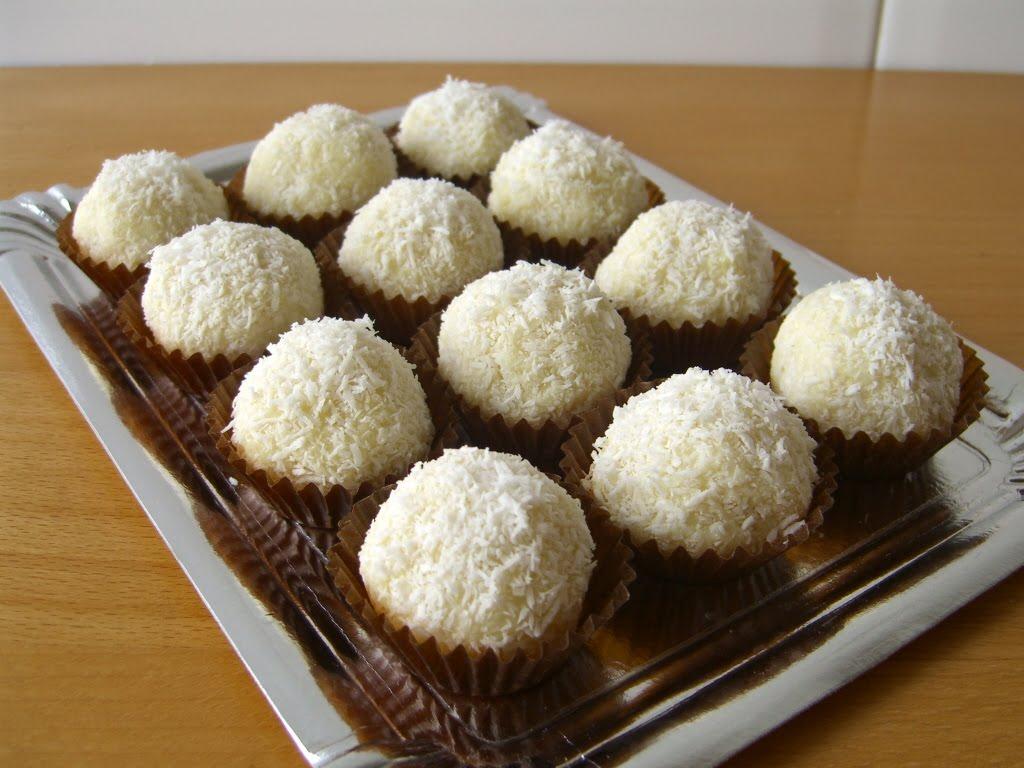 Bombons de coco i iogurt
