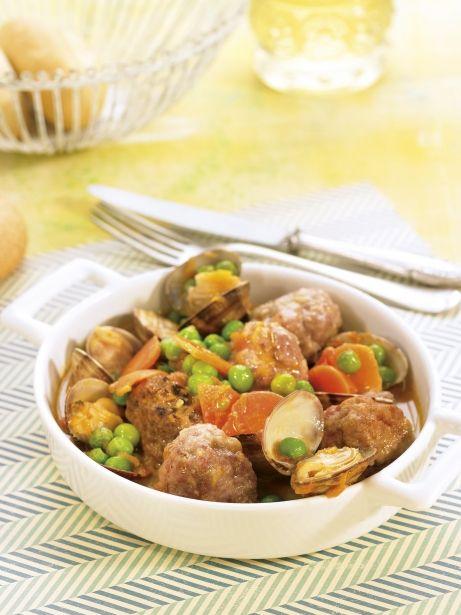 Mandonguilles amb cloïsses i pèsols