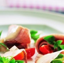 Vedella freda amb salsa de tonyina
