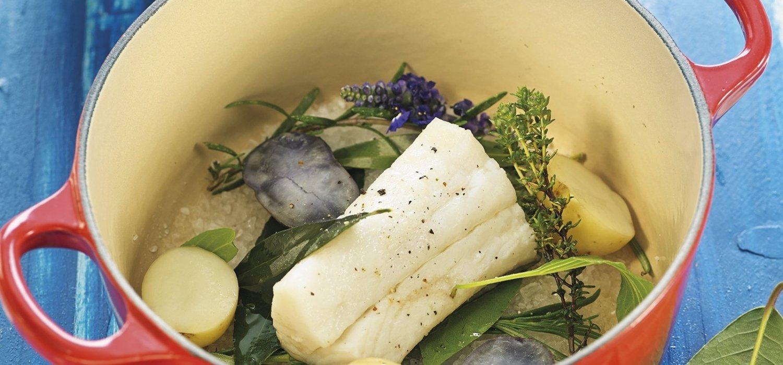 Bacallà al vapor de sal i herbes fresques