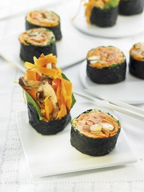Sushi de pastanaga amb xiitake i crema d''umeboshi' / Becky Lawton