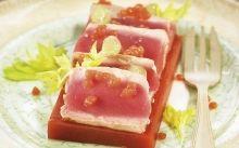 Tataki de tonyina amb Bloody Mary tebi