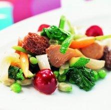 Barreja primaveral i de bolets, verdura i fruita