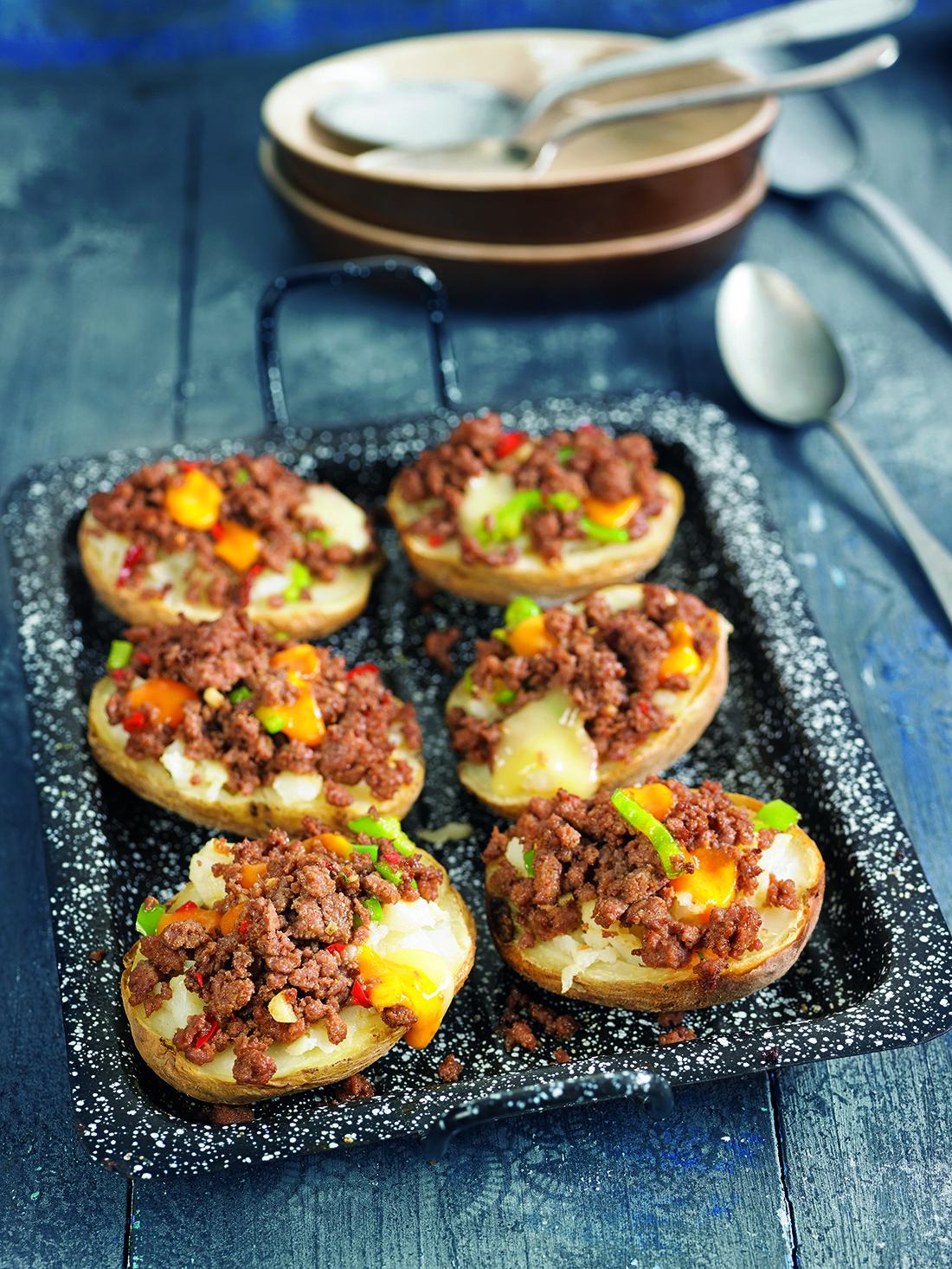 Patates rostides farcides amb carn picada