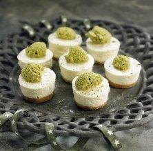 Marquesa de xocolata blanca amb mousse de te verd matxa