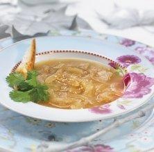 Sopa francesa de ceba amb alga 'kombu'