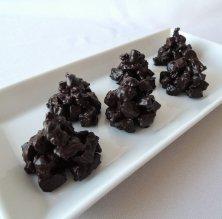 Roques de carquinyolis i xocolata negra