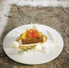 Pa de pessic de pastanaga amb crema de taronja i gelat natural