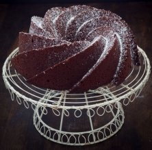 'Bundt cake' de xocolata amb llet amb caramel