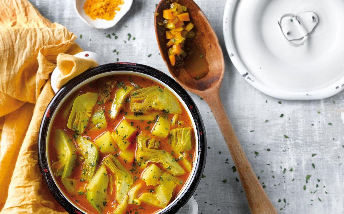 Sopa de carxofa amb curri