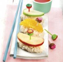 Sushi d'arròs amb llet, taronja i poma