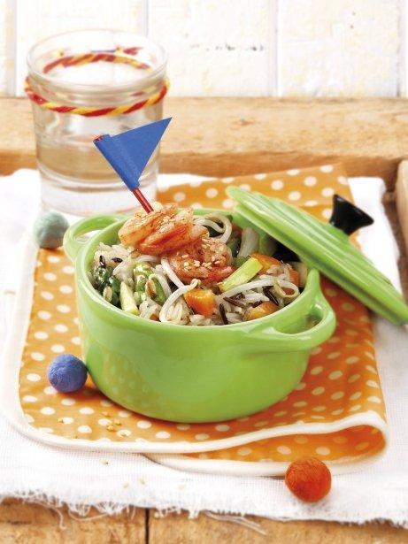 Arroz salteado con verduras y gambas