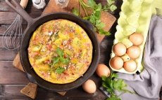 Tortilla y sus ingredientes / Thinkstock