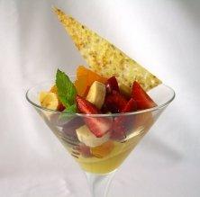 Amanida de fruites, gelatina de taronja i teula de sèsam