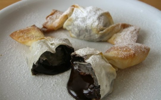 Caramels cruixents de fil·lo i xocolata