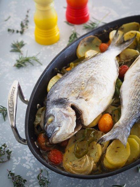 Dorada al horno con verduras