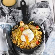 Ous de reig amb ous de gallina i pètals de caputxines