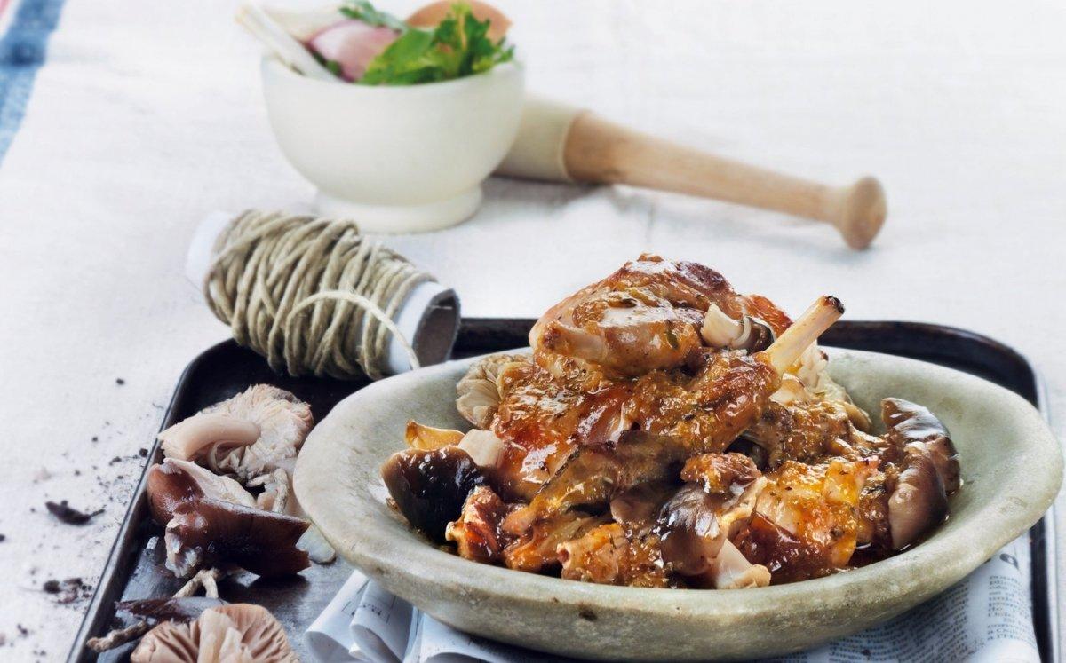 Conill amb llenegues negres seques FOOD PHOTOS / CRISTINA RIVAROLA