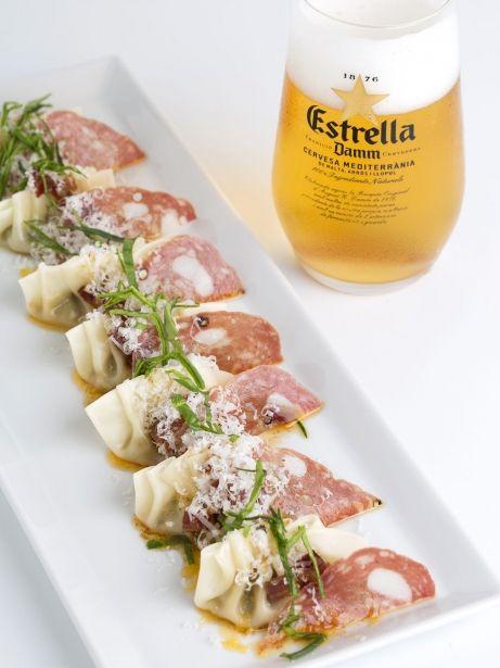 Paquetitos de longaniza en tres texturas, calabacín y parmesano (IGP Longaniza de Vic)