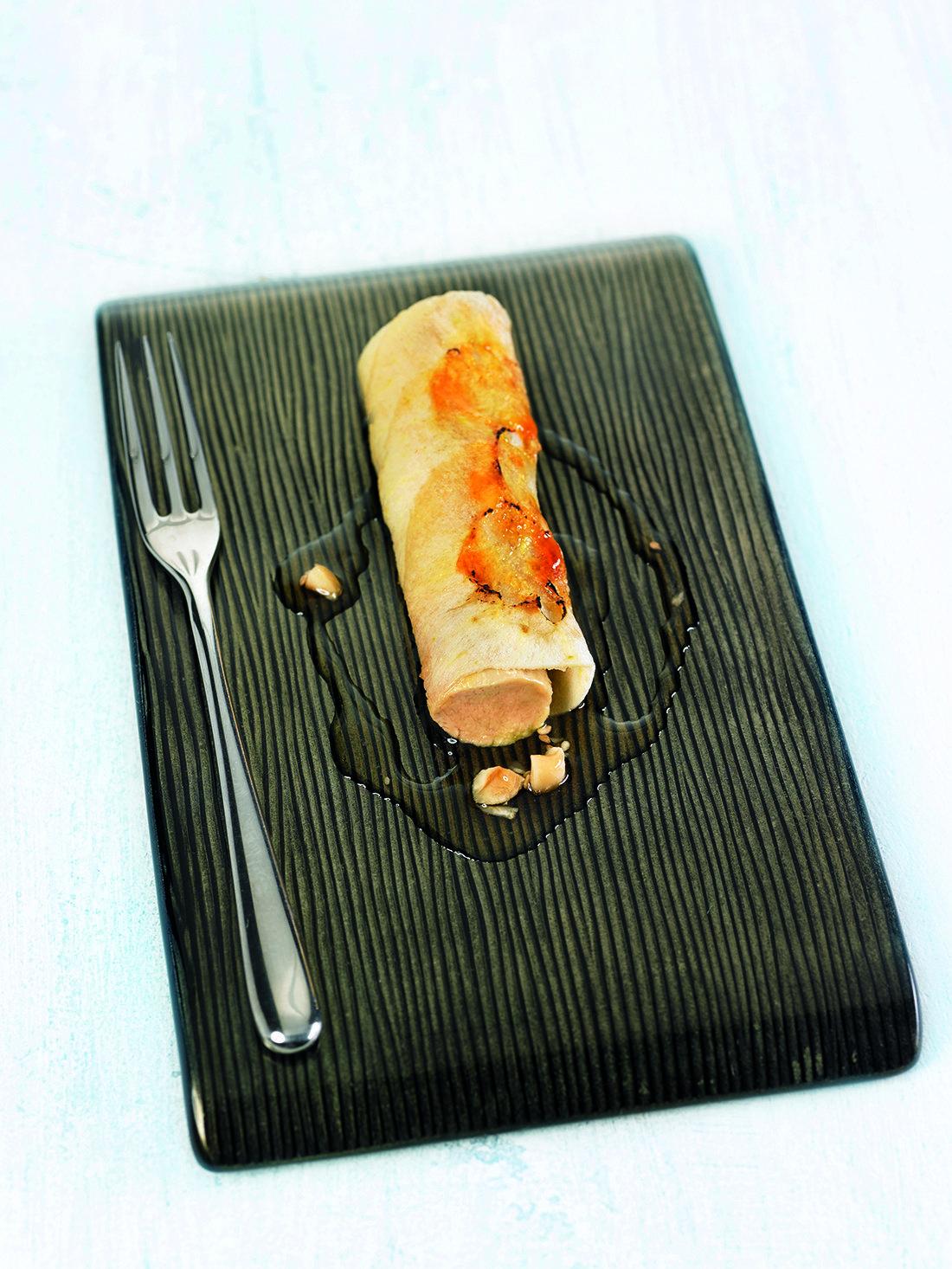 9 CaneloÌ  de poma caramel·litzada amb foie