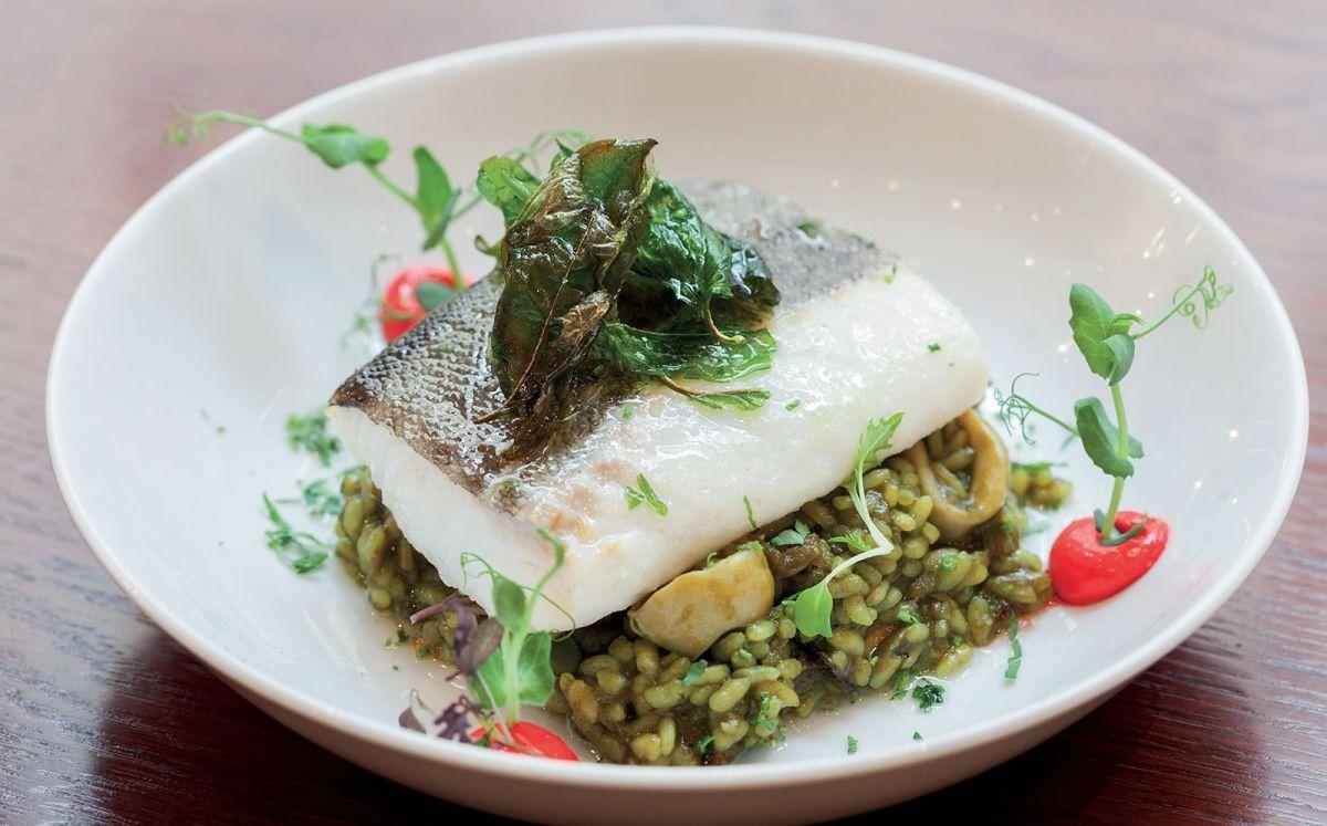 Bacallà confitat amb arròs verd d'alfàbrega