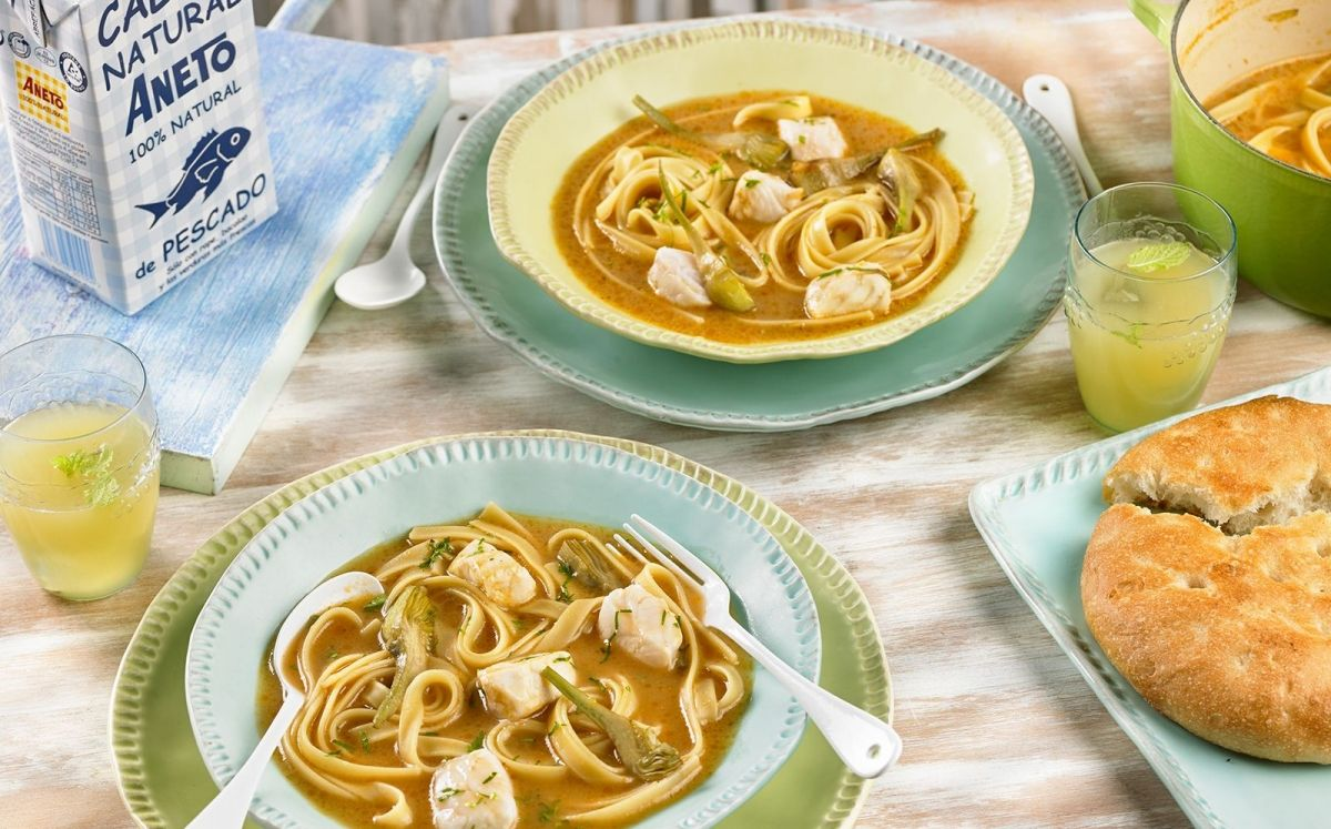 Sopa de peix, lluç i carxofes