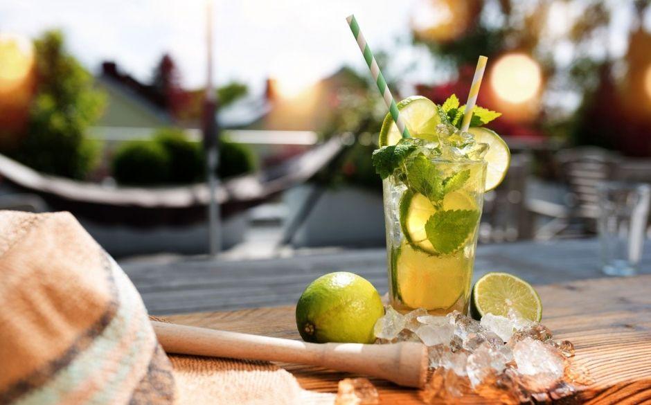 Disfrutad de un mojito en las terrazas de verano