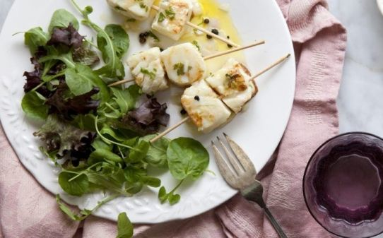 Peix marinat en oli d'oliva verge extra