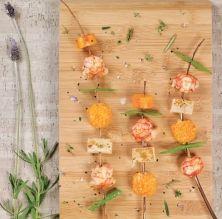 Broquetes de cues de gamba i vegetals