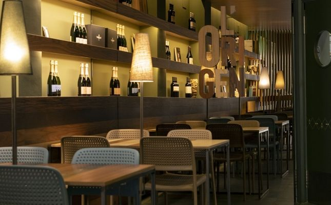 Restaurant 221