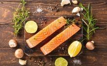 Salmó cru per fer sashimi