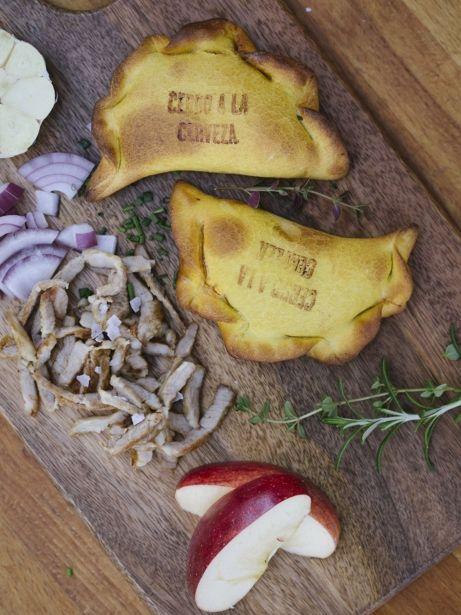 Empanades de porc fumat amb chutney de poma i cervesa doble malta