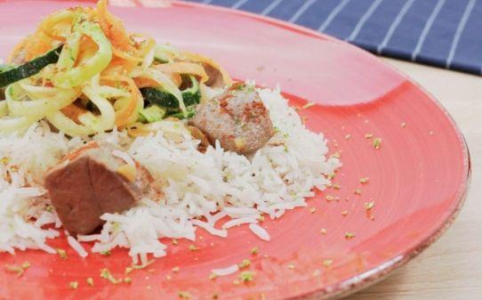 Arròs basmati amb tonyina macerat i saltat de verdures