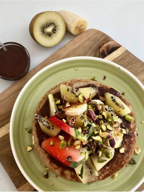 Pancakes de avena, plátano y kiwi