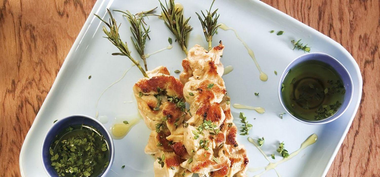 Broqueta de pollastre amb herbes