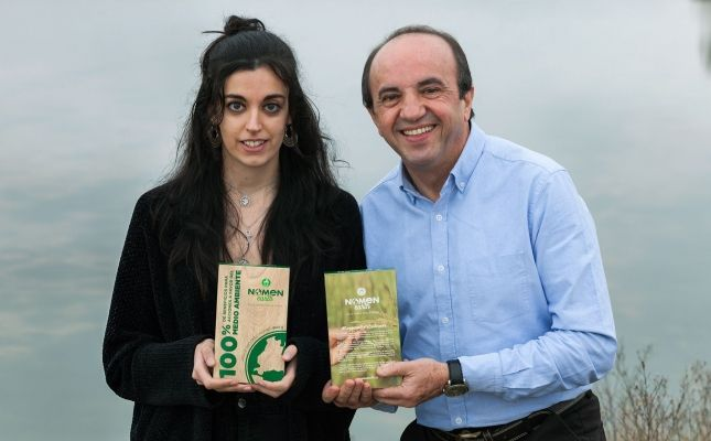 Noelia Medina i José Luis Gallego amb el nou arròs Nomen