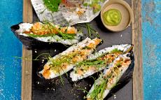 'Onigirazu' de tàrtar de salmó