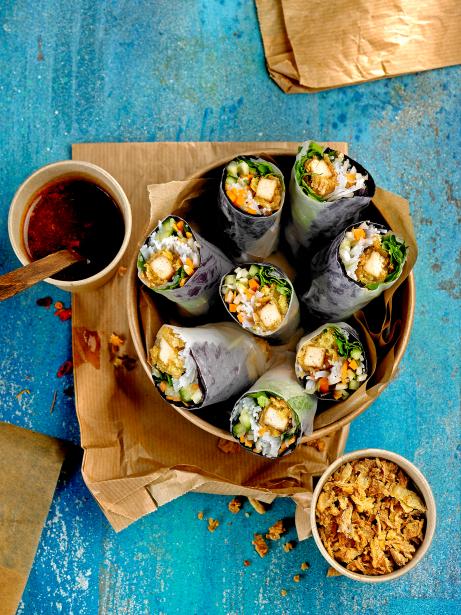 'Nems' vegans d'hortalises i tofu cruixent