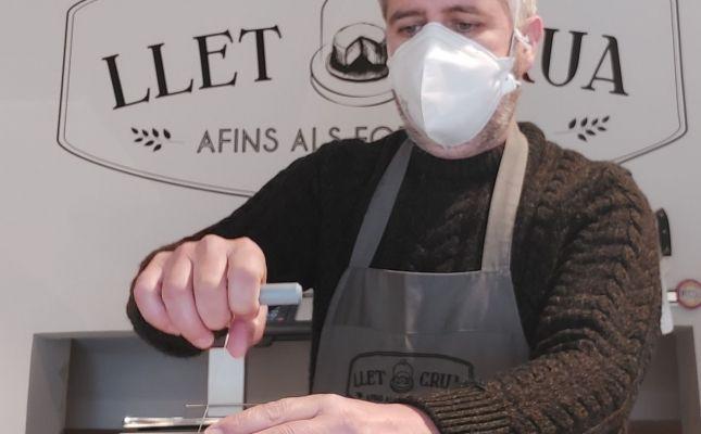 Xevi Miró, propietari de Llet Crua
