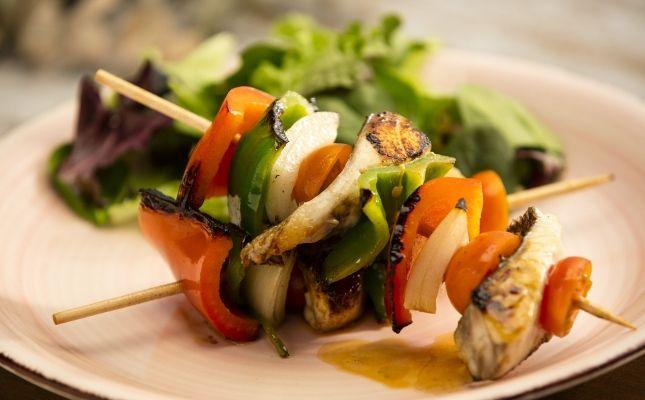 Broqueta de peix i verdures