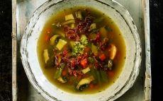 sopa de setas verduras y jamón